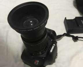 Cámara Canon Rebel T2I