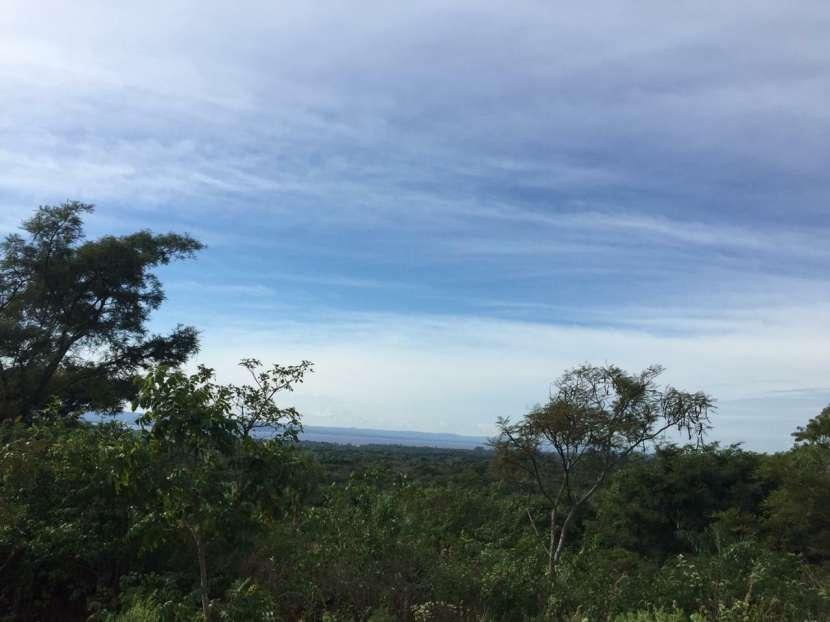Terrenos en Areguá con vista al Lago - 1