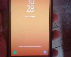 Samsung Galaxy J7 Neo con gamepad Quanta
