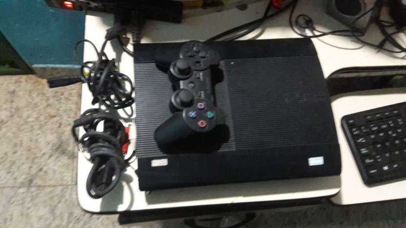 PlayStation 3 Ultra Slim - 1