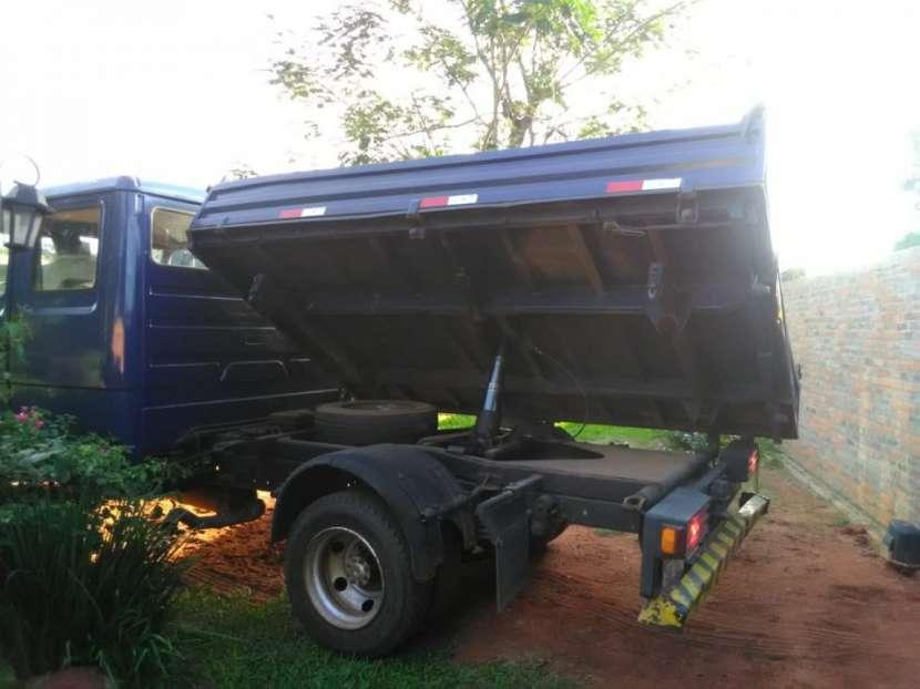Camión tumba Mercedes Benz - 3