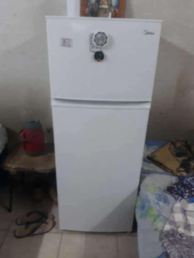 Heladera Midea 300 litros - 1