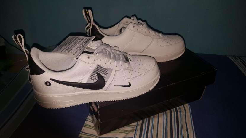 Calzado Nike Air Force - 0
