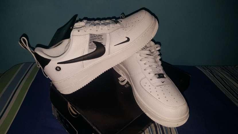 Calzado Nike Air Force - 2