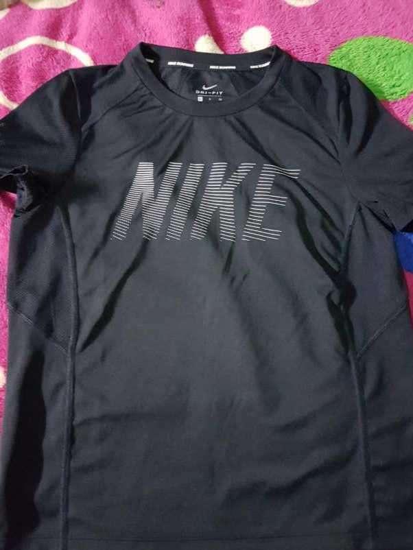 Remera Nike Negra Talle S - 0