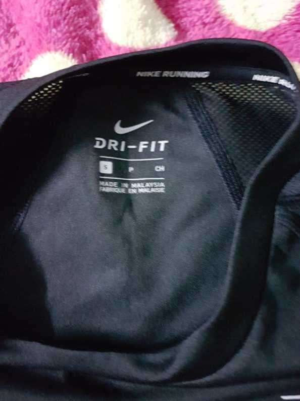 Remera Nike Negra Talle S - 1