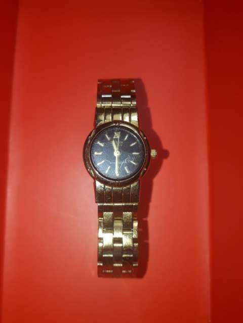 Reloj Citizen stainless stell para dama bañado en Oro - 0