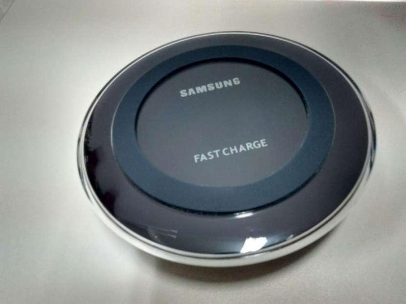 Cargador inalámbrico Samsung - 0