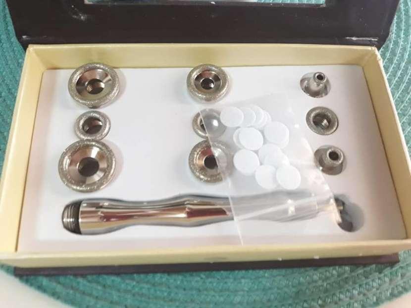 Microdermoabrasión con puntas de diamantes facial y corporal - 2