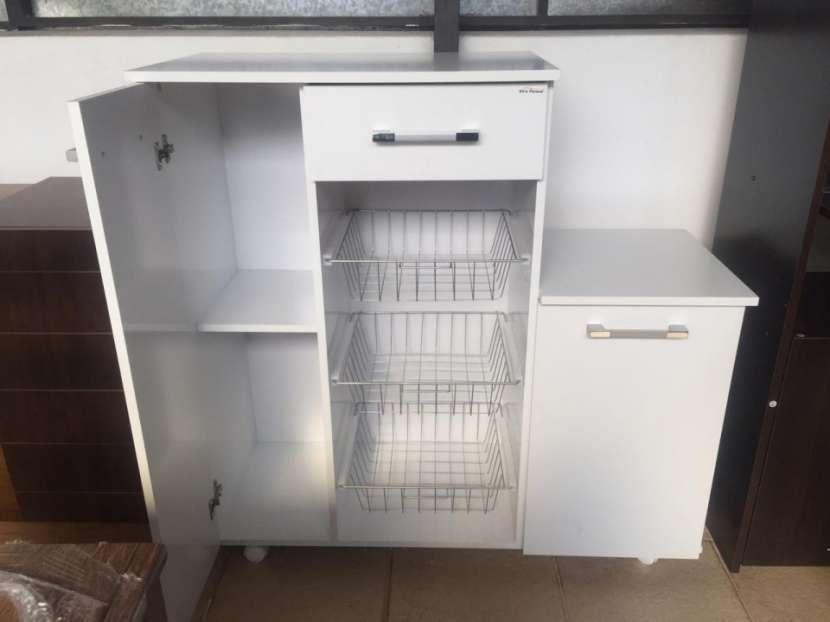 Mueble de cocina con fruteritos - 0