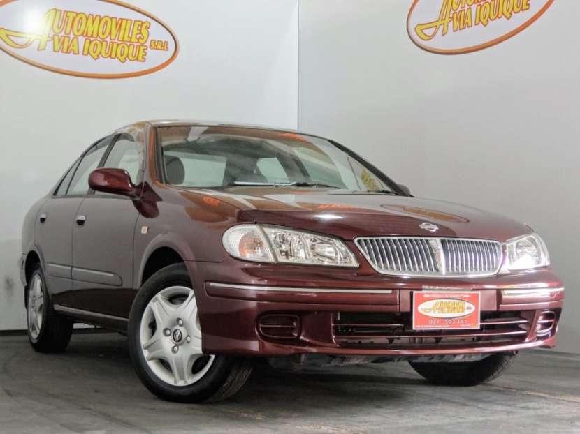 Nissan Sylphy color bordo 2001