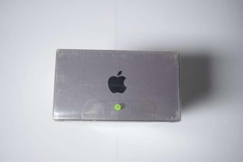 iPhone 8 64gb - 2