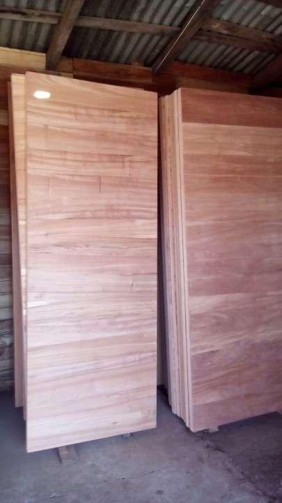 Puertas macizas para exterior diseños varios - 1