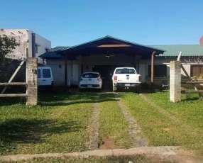 Casa en Loma Pytá Barrio Las Golondrinas A1625