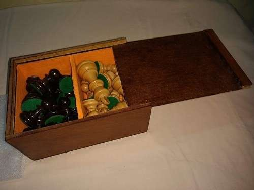 Piezas de Ajedrez de madera de muy buen tamaño y peso - 1