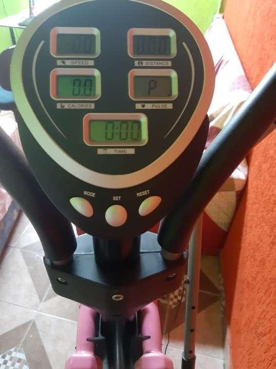 Bicicleta ergométrica Athletic Eliptical - 1
