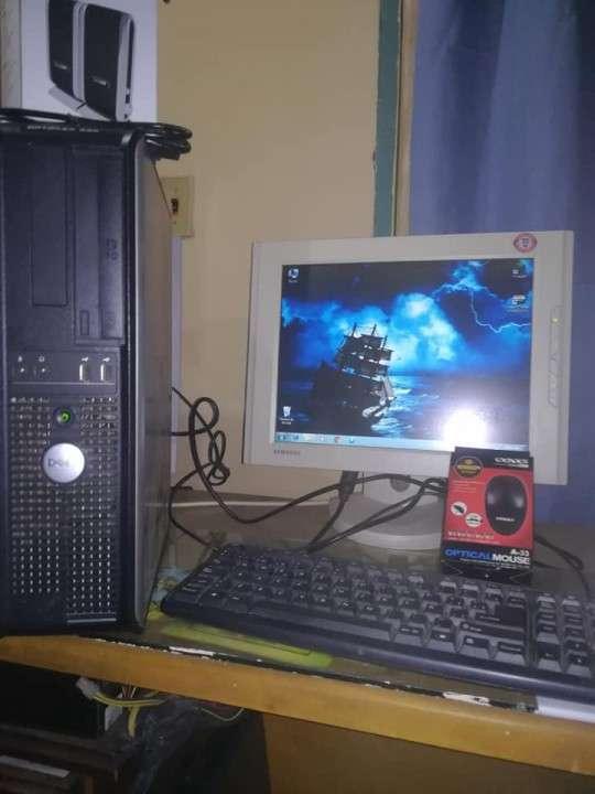 PC de escritorio Dell Optiplex 330 - 2