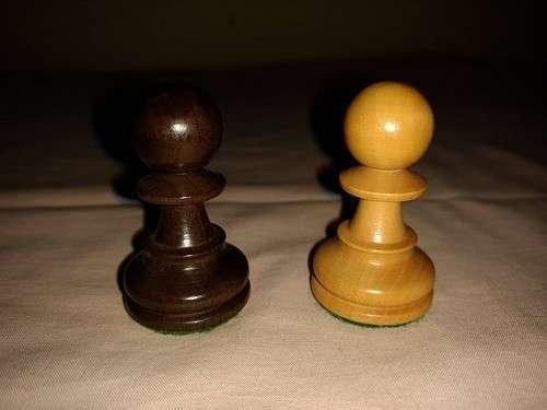 Piezas de Ajedrez de madera de muy buen tamaño y peso - 8