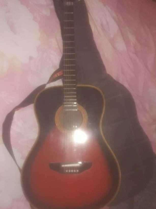 Guitarra acústica de fibra de vidrio - 0