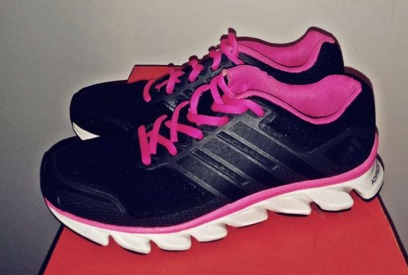 Calzado Adidas para dama - 0