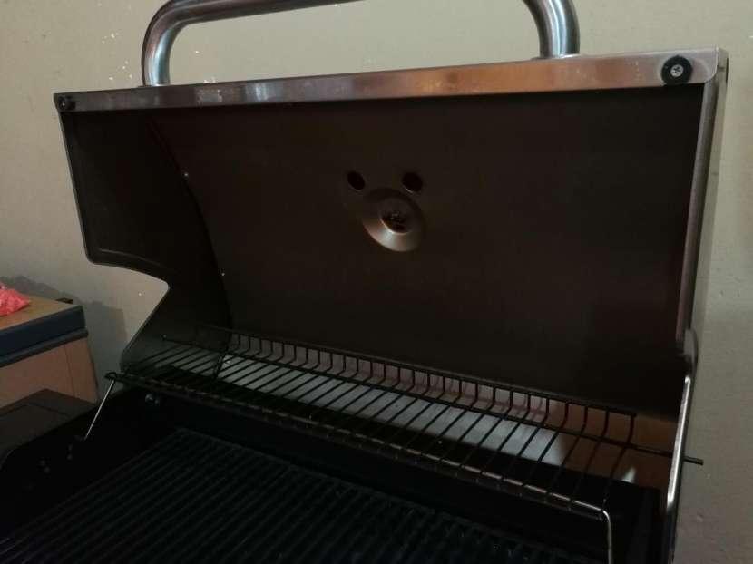 Parrilla Americana a Gas Char Broil - 3