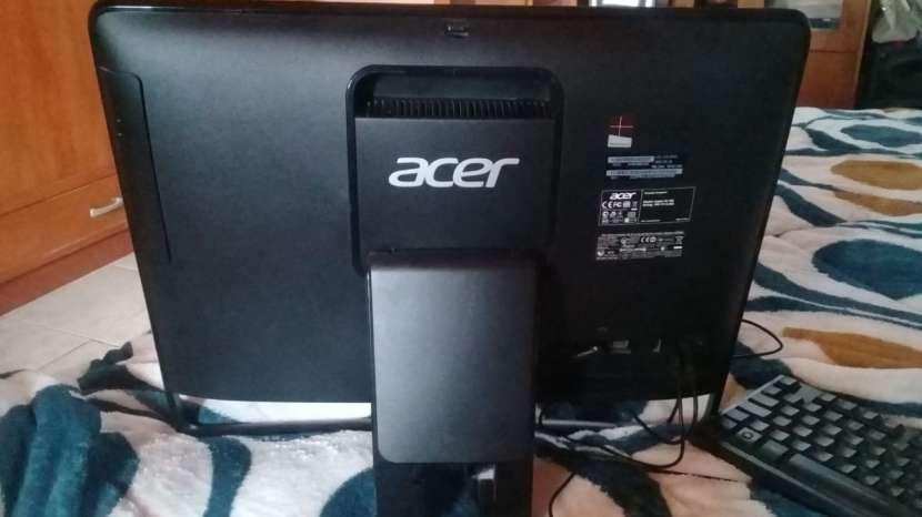 Computadora Acer - 2