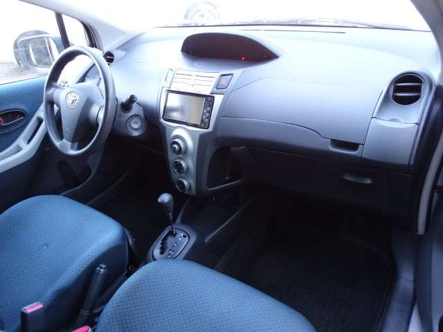 Toyota New Vitz 2005 chapa definitiva en 24 Hs - 6