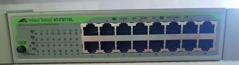 Switch Allied Telesis AT-FS 716 L de 16 puertos - 0