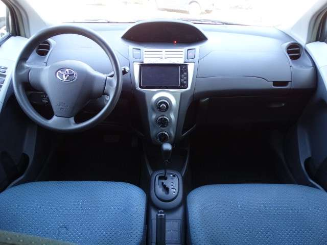 Toyota New Vitz 2005 chapa definitiva en 24 Hs - 5