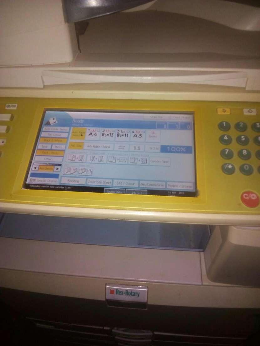 Impresora Digital MP C3001 - 1