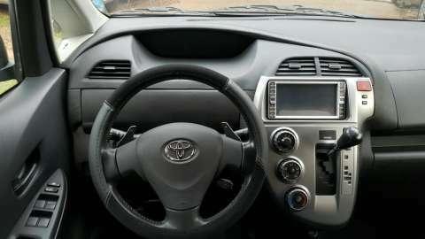 Toyota Ractis 2006 - 8