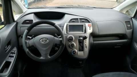 Toyota Ractis 2006 - 9