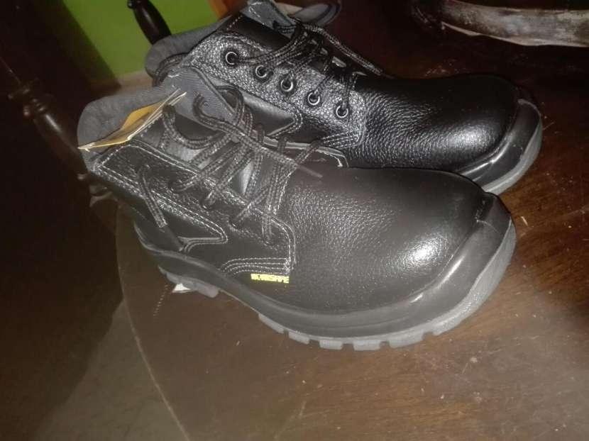 Zapaton punta de acero nuevo - 0