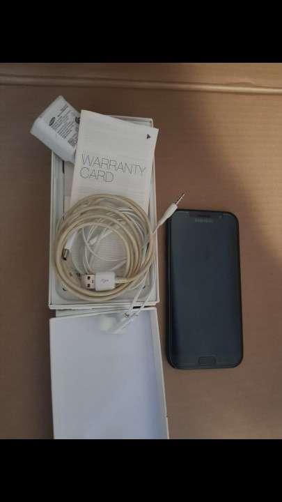 Samsung Galaxy A7 y JBL Flip 4 - 0