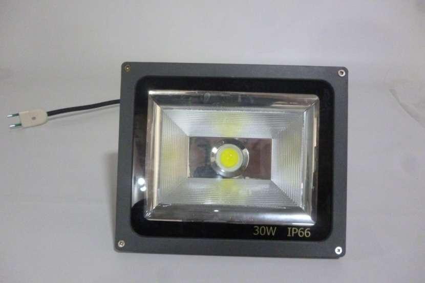Reflector Led 30W 220V Alta Potencia ip66 aluminio exterior - 1