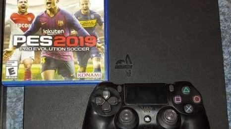 PS4 Slim con un control y pes 19 - 0