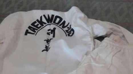 Uniforme para taekwondo - 0