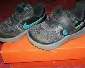 Calzado Nike flex para bebé calce 21