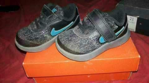 Calzado Nike flex para bebé calce 21 - 0