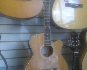 Guitarra Aranguez electroacústica