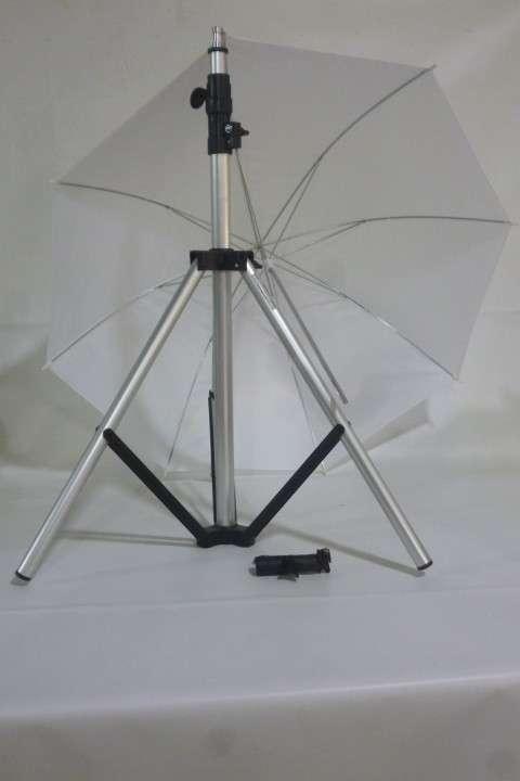 Tripode + Bracket + Sombrilla para Fotografos