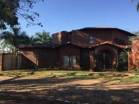 Casa zona Indufar a 10 minutos de Villa Morra