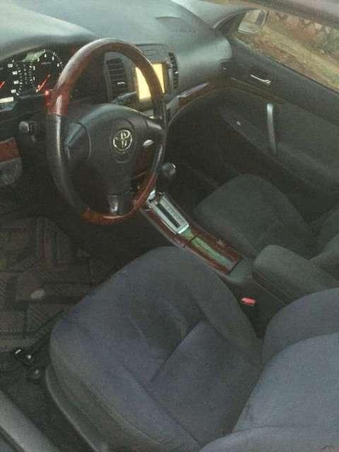 Toyota Allion 1.5 full automático 2004 - 6