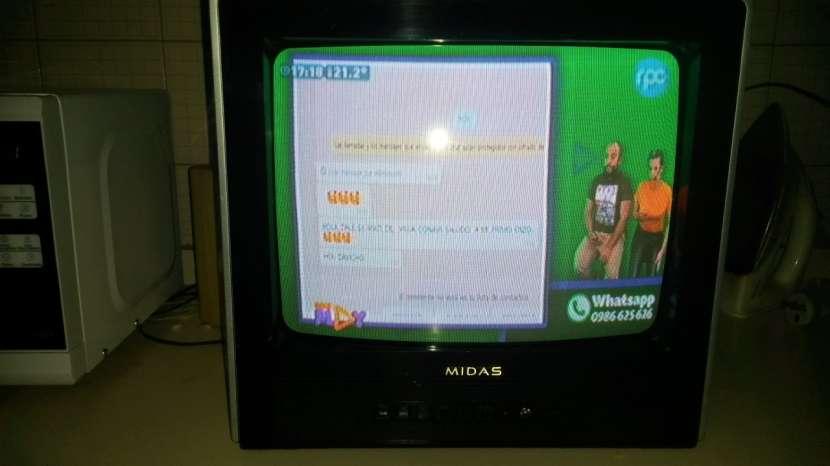 TV Toshiba de 21' y TV Midas de 14' - 1