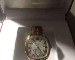 Reloj Cartier diseño clásico