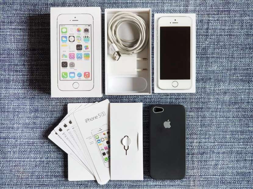 iPhone 5s de 32 gb silver/plata - 0