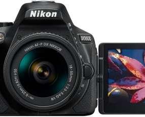Nikon D5600 digital de 24.2 MP
