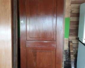 Puerta tablero en cedro
