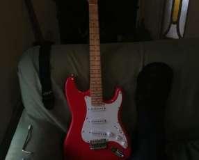 Guitarra eléctrica con afinador electrónico + Amplificador Skp