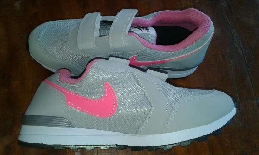 Champion Nike calce 33